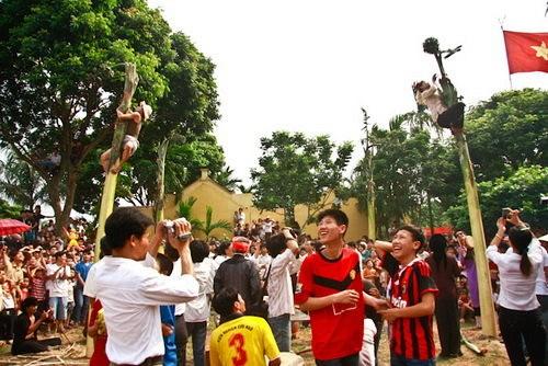 Độc đáo hội thổi cơm thi ở Đồng Vân - Ảnh 1