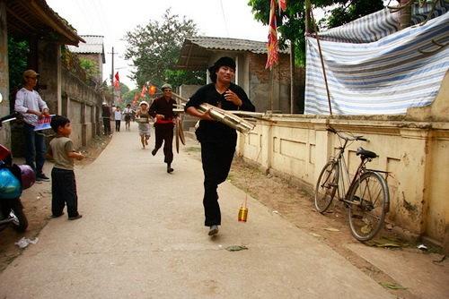 Độc đáo hội thổi cơm thi ở Đồng Vân - Ảnh 3